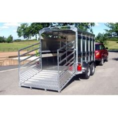 Bateson Eurostock 315 Livestock Trailer 10 x available from the largest Trailer dealer in the South of England Livestock Trailers, Horse Trailers, Cattle Farming, Pig Farming, Equipment Trailers, Trailers For Sale, Roof Rack, Welding Projects, Equestrian Style