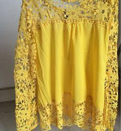 blusa amarela em crepe de chifon e renda gripir manga longa