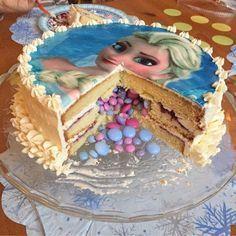 olles * sky glitterings *: Elsa tartlet the - Frozen cake with Smart . - olles * sky glitterings *: Elsa tartlet the – ice queen cake with Smarties filling - Olaf Birthday Cake, Star Wars Birthday, Frozen Birthday Party, Frozen Party, Geek Birthday, Frozen Theme, Frozen Cake, Elsa Frozen, Disney Frozen
