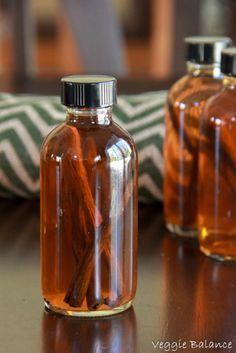 How to Make Homemade Vanilla Extract - Veggiebalance.com #vanilla #homemade #paleo