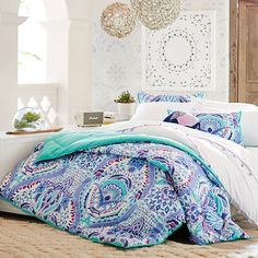 This comforter brings uniquely bright design and superior comfort together for your best night's sleep. Made of cotton percale, it's a long-lasting and cozy addition to your bed.