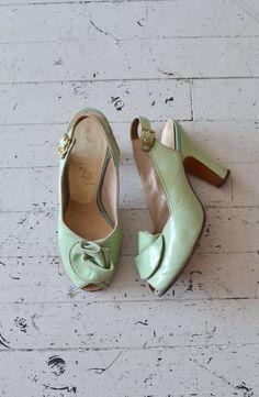 1940s Mint Taffy heels