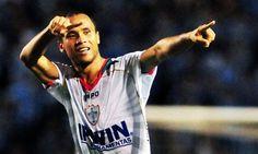 Ananias chega ao Cruzeiro prometendo dedicação para ajudar