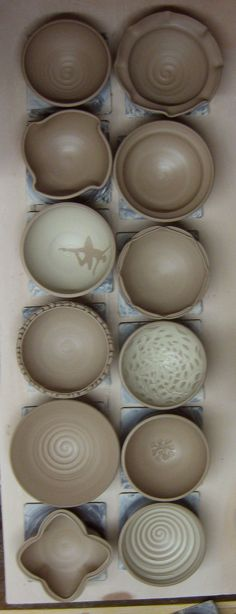 Twelve Tricks to Avoid Simple Round Bowls by firewhenready #Ceramics #Bowls