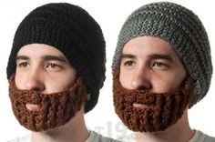 """Gorro de lana con """"barba"""""""