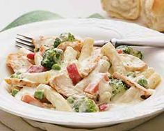 Chicken Alfredo Rigatoni Skillet Meal and other delicious groceries delivered to your door. #Schwans #FoodDelivery #Mealsfor4+