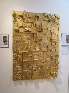 In the Studio: One Mans Trash. Louise Nevelson-inspired art project - could work as a collaborative art project Group Art Projects, Collaborative Art Projects, School Art Projects, Art School, Louise Nevelson, Classe D'art, Wal Art, Recycled Art Projects, Trash Art