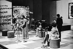 Sob o comando de Caetano Veloso e Gilberto Gil, a TV Tupi estreia o programa, 1968, Arquivo/AE