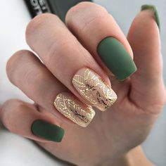 False nails have the advantage of offering a manicure worthy of the most advanced backstage and to hold longer than a simple nail polish. The problem is how to remove them without damaging your nails. Green Nail Designs, Square Nail Designs, Short Nail Designs, Nail Art Designs, Nails Design, Nude Nails, Acrylic Nails, Pink Nails, Coffin Nails