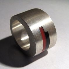 Silver ring with plexiglass