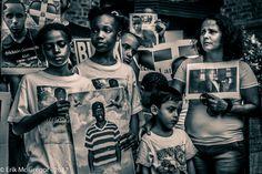 GRIEF - Composition Thursday #PhotoOfTheDay #DwayneJuene #KilledByNYPD #MentallyIll #BlackLivesMatter #ACAB #EndPoliceBrutality #EndPoliceTerror #FTP #JailKillerCops #NYPD #PoliceAccountability #PoliceBrutality #PoliceKillings #ProsecuteNYPD #racism #stillnojustice #ThisStopsToday #Flatbush #Brooklyn #NewYork #SplitTone #colorcast #selectiveColor #blackandwhite #blackandwhitephoto #bw_photooftheday #bw #blackandwhitephotography #Photography #Nikon #NikonPhotography #2017   ©…