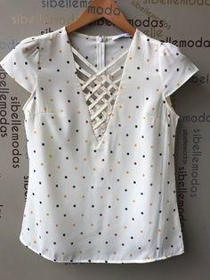 Resultado de imagen para pinterest blusas Diy Fashion, Ideias Fashion, Fashion Outfits, Womens Fashion, Blouse Patterns, Blouse Designs, Diy Clothes, Clothes For Women, Sewing Blouses