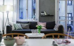 Apartment Einrichtung - Modernes Couch Design in einem dunklen Grau