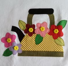Patch Quilt, Simple Cross Stitch, Applique Designs, Fabric Flowers, Tea Towels, Needlework, Diy And Crafts, Patches, Quilts