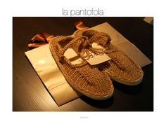 warm handmade slippers by Ciuffo on Etsy, €25,00