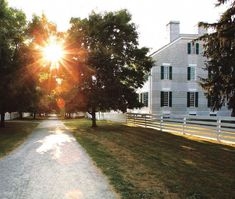 Shaker Village, Pleasant Hill in Kentucky is a restored Shaker community and living history museum. It is a MUST SEE when you visit Kentucky. Louisville Kentucky, Kentucky Derby, Great Places, Places Ive Been, Amish Village, Lets Run Away, Pleasant Hill, My Old Kentucky Home, Ohio River