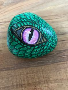 Drawing Dragon Eyes Art Prints 68 Ideas For 2019 Stone Art Painting, Eye Painting, Pebble Painting, Pebble Art, China Painting, Acrylic Paintings, Acrylic Art, Rock Painting Patterns, Rock Painting Designs