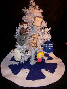 Cute #DoctorWho tree... Holiday Decorations Every Nerd Will Love [Feature]