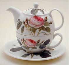Fine EnglishChina, a beautiful bone china tea for one set