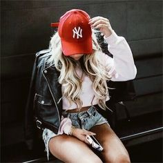 Discovered by Mademoiselle. Find images and videos about girl, fashion and style on We Heart It - the app to get lost in what you love. Urban Fashion, Look Fashion, Fashion Outfits, Womens Fashion, Fashion Trends, Indie Fashion, Summer Outfits, Casual Outfits, Cute Outfits