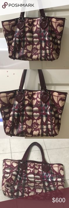 Burberry Heart ❤️ tote Bag Best condition Burberry Bags Totes