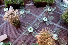 I Maestri del Paesaggio 2016 - Piazza Vecchia - Bergamo Relaxing Places, Outdoor Spaces, Outdoor Ideas, Pantone Color, Greenery, Table Decorations, Landscape, Green Ideas, Projects