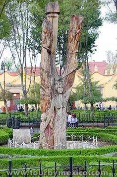 Plaza Hidalgo in Coyoacan Park. www.tourbymexico.com
