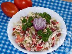 Овощной салатик с грибами и фасолью