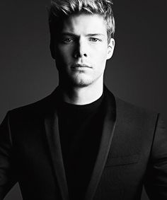 Hunter Parrish IS Christian Grey!!! I need to speak with the movie producers immediately...