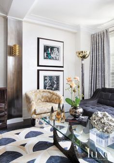 Post-War Gramercy Apartment with Mod Interiors LuxeSource Luxe Magazine - The Luxury Home Redefined Interior Desing, Luxury Homes Interior, Interior Design Inspiration, Design Ideas, Stylish Interior, Room Inspiration, Home Living Room, Living Room Designs, Living Room Decor