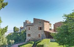 Ferienwohnung 1967098 in Orciatico - Casamundo Hotel Reviews, Italy, Mansions, World, House Styles, Videos, Hotels, Home Decor, Cottage House