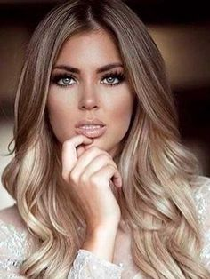 47 top Ideas fall blonde hair color for blue eyes Fall Blonde Hair Color, Blonde Hair With Highlights, Brown Blonde Hair, Ombre Hair Color, Light Brown Hair, Hair Color Balayage, Blonde Balayage, Blonde Ombre Hair Medium, Cool Toned Blonde Hair