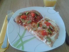 Olasz is (pizza)-magyar is(lepény) Pizza, Tacos, Mexican, Ethnic Recipes, Food, Essen, Meals, Yemek, Mexicans