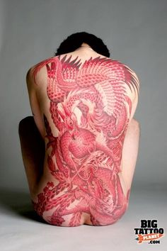 Red ink has suffered for years from a bad reputation, but these tattoos show red ink can be amazing. Irezumi Tattoos, Tatuajes Irezumi, Backpiece Tattoo, Tattoo Henna, Scarification Tattoo, Tattoo Ink, Red Ink Tattoos, Body Art Tattoos, Girl Tattoos