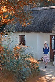 Perched on the edge of a cliff overlooking the region's dramatic mountains, Away with the Fairies in Hogsback (Eastern Cape) is a charming if not chilly retreat from which to enjoy some lovely seasonal colours.