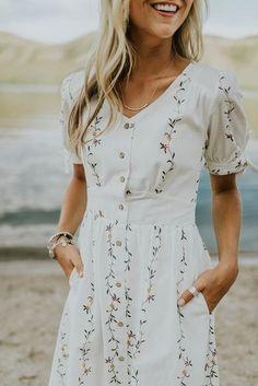 Modest summer dresses - best modest summer outfits Page 17 of 100 – Modest summer dresses Modest Summer Outfits, Casual Outfits, Dress Casual, Dress Summer, Summer Wear, Summer Clothes, Girly Outfits, Summer Shoes, Boho Dress