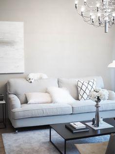 Cozy Living Rooms, Living Room Sofa, Home Living Room, Living Room Decor, Howard Sofa, Cozy Sofa, Dream Home Design, Living Room Inspiration, Diy Room Decor