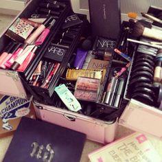 just finished completing my make up kit! Makeup Goals, Makeup Kit, Makeup Brushes, Beauty Makeup, Eye Makeup, Hair Makeup, Diy Beauty, Makeup Storage, Makeup Organization