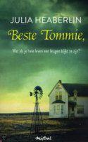 Beste Tommie oorspronkelijke titel Playing dead (2012) Na de dood van haar vader ontvangt kinderpsychologe Tommie McCloud een brief van een onbekende vrouw die beweert dat Tommie als baby gekidnapt is en dat zij haar biologische moeder is. Wanneer Tommie de identiteit ontdekt van haar vermeende biologische vader, een beruchte maffioso die op vrije voeten dreigt te komen, raakt ze verwikkeld in een gevaarlijk spel. Terwijl ze samen met haar zus probeert het familiebedrijf te runnen, zet…