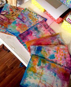 Original pinner sez: Using my mop up papers to make handmade art journals https://www.facebook.com/RobinMeadDesigns