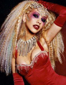 christina aguilera moulin rouge makeup