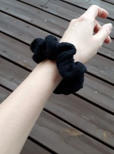 Tredy Katukissa-scrunchie in black. Made from excess clippings of the Katukissa-collection. Made ethically in Finland. Scrunchies, Finland, Great Gifts, Stylish, How To Make, Black, Design, Women, Fashion