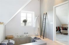 :: sunken bathtub