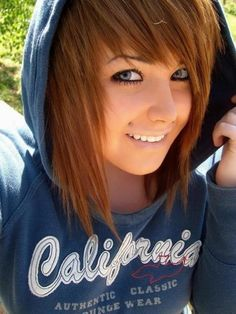 I love her hair cut. I really wish I didn't have thick hair sometimes so I could pull off something like this