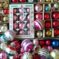 Into Vintage: Vintage Christmas by the square foot