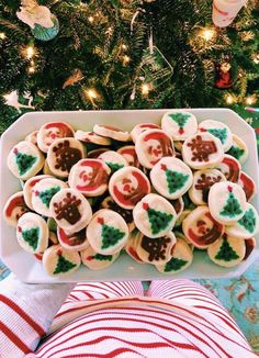 these are the best christmas cookies, hands down. kids love them! these are the best christmas cookies, hands down. kids love them! these are the best christmas cookies, hands down. Best Christmas Cookies, Christmas Mood, Merry Little Christmas, Christmas Treats, Christmas Decorations, Christmas Tables, Xmas Holidays, Modern Christmas, Scandinavian Christmas