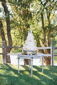 Pretty cake: http://www.stylemepretty.com/little-black-book-blog/2015/03/24/rustic-italian-olive-branch-winery-wedding/ | Photography: Onelove - http://www.onelove-photo.com/