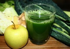 Green Cabbage Tummy Soother Cabbage juice gets a bad rap. But it's got huge nutritional benefits and we promise your juice won't taste like sauerkraut! Detox Smoothie Recipe For Weight Loss, Detox Smoothie Recipes, Juicer Recipes, Detox Drinks, Soup Recipes, Fruit Smoothies, Juice Smoothie, Healthy Smoothies, Healthy Drinks