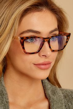 Hardwire Blue Light Glasses In Tortoise Cheap Eyeglasses, Eyeglasses For Women, Designer Glasses Frames, Brown Glasses, Fashion Eye Glasses, Prescription Glasses Online, Cat Eye Frames, Light Blue, Quay Australia