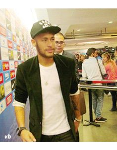 God, he's amazing Neymar Pic, Good Soccer Players, James Rodriguez, World Cup 2014, Play Soccer, Cristiano Ronaldo, Real Madrid, Bellisima, Captain Hat